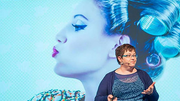 Donna-Moritz-Keynote-Speaker-SoMeT-2014